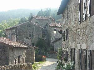 chateau-de-chalencon-3