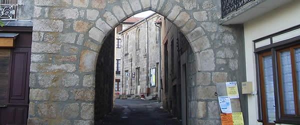 Porte de St Pal de Chalencon