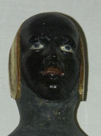 Vierge noire tête vue 1